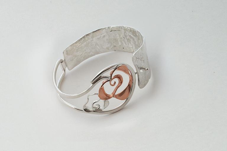 Bracciale collezione Rose in argento con inserto di rame
